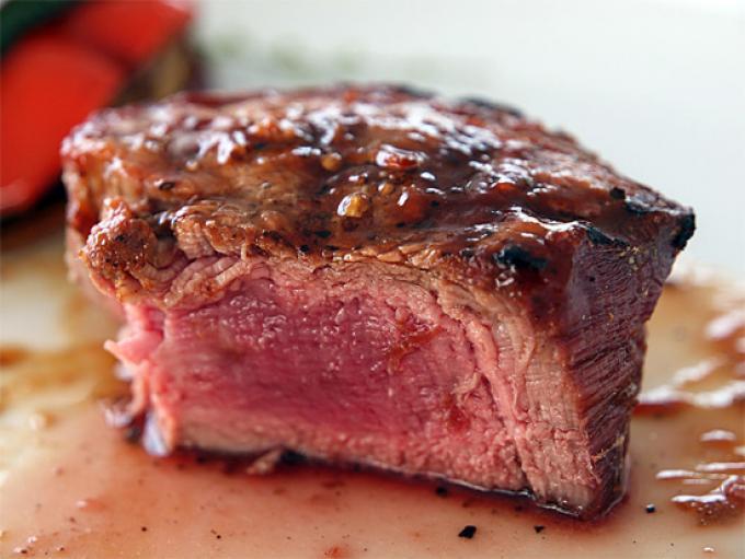 Как приготовить сочное мясо в духовке говядина